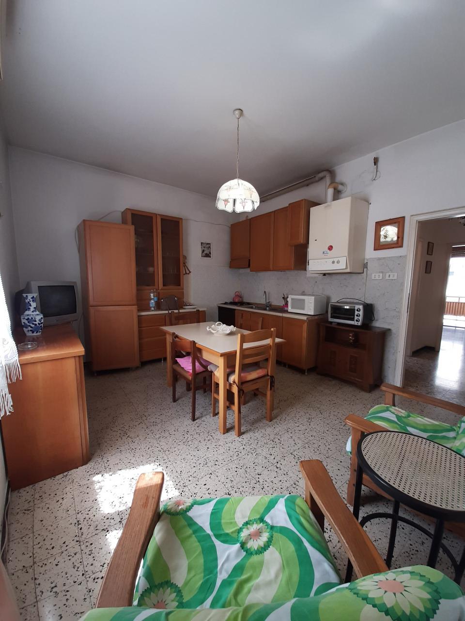 004__cucina-soggiorno_2
